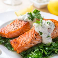 Not just any salmon fillets, these are our brand new FRESH salmon fillets. Considered one of the healthiest foods we can eat, salmon is packed full of heart healthy omega 3 fatty acids and Vitamin D. Healthy Low Calorie Meals, Healthy Eating, Superfood Recipes, Healthy Recipes, Maple Mustard Salmon, Sauce Béarnaise, Cheese Sauce, Fish Sauce, Fried Salmon