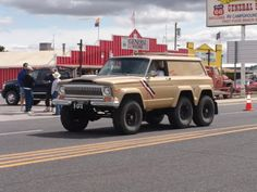 Jeep Cherokee 6 x 6