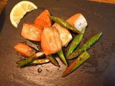 鮭とアスパラのガリバタ醤油ソテーの画像