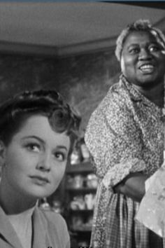 1942 Olivia DeHaviland and Hattie McDaniel are co stars again: In This Our Life.Olivia de havilland birthday countdown days to go! Old Hollywood Movies, Hollywood Walk Of Fame, Hollywood Stars, Hollywood Actresses, Classic Hollywood, Actors & Actresses, Louise Beavers, Classic Actresses, Classic Movies