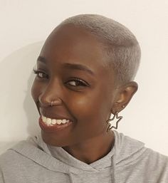 short+blonde+afro+with+undercuts