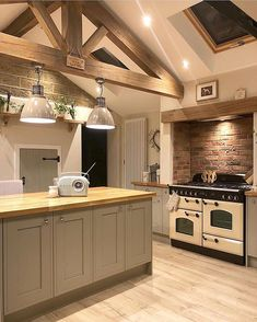 This is definitely my favourite pic of the kitchen💛📸 The extra work my other half put into the decorative oak truss certainly paid off! Barn Kitchen, Farmhouse Kitchen Decor, Open Plan Kitchen, Home Decor Kitchen, Kitchen Interior, Home Kitchens, Modern Interior, Farmhouse Style, Interior Design
