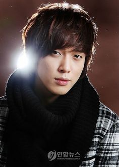Jung Yong-hwa as Kang Shin Woo - Sweet!