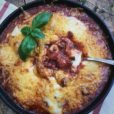Gnocchi bolognese schotel, comfort food met gehakt in een heerlijke tomatensaus met kaas uit de oven. En alles klaargemaakt in slechts één pan!