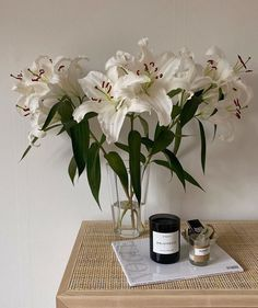 Flower Aesthetic, White Aesthetic, Office Inspiration, White Flowers, Beautiful Flowers, Hippie Stil, Aesthetic Pictures, My Room, Decoration