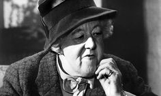 Photo of Dame Margaret Rutherford As Miss Marple for fans of Agatha Christie 16291804 Margaret Rutherford, Agatha Christie's Poirot, Hercule Poirot, Miss Marple, Classic Tv, Classic Movies, I Movie, Movie Stars, Detective