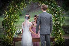 ♥ Beatriz Leal Miranda   Tulle - Acessórios para noivas e festa. Arranjos, Casquetes, Tiara