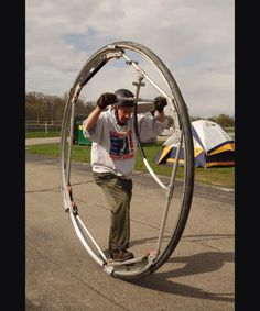 Monocycle, Fun Moves, Electric Bike Kits, Weird Inventions, Strange Cars, Bicycle Pedals, Bike Seat, Pedal Cars, Cycling Art