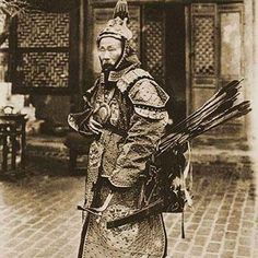 #Manchu #archery Su Yuanchun was one of the last great #warrior Manchus, distinguished himself in the field, moving from soldier to general. #history says he was standing alone in a tower against a big crew of #chinese soldiers and killed many and injured many but not give in! This #pic is a #documentary of manchu soldiers #clothes and #gear  #کماندار #منچوری  سو یوان چو یک از آخرین سلحشوران برجسته منچوری بوده است. که در میدان نبرد توانست خود را از سرباز تا مرحله ژنرال بالا بکشد. بر اساس…