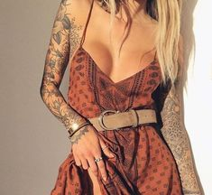 """Kinda love how part of it creeps off her arm and onto just a little bit of her upper chest ❤️ torikev: """" Jenah Yamamoto """" Look Boho, Bohemian Style, Look Fashion, Fashion Outfits, Womens Fashion, Mode Hippie, Hippie Outfits, Mode Inspiration, Motivation Inspiration"""
