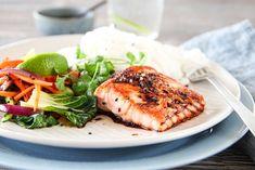 Chorizo, Wok, Salmon Burgers, Nom Nom, Bacon, Recipies, Ethnic Recipes, Chili Con Carne, Cilantro