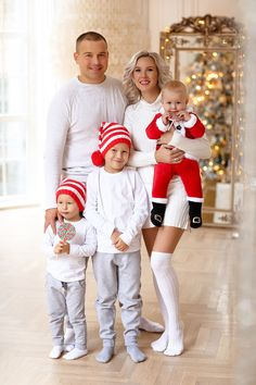 Xmas Pictures, Family Christmas Pictures, Family Photos, Merry Christmas Love, Christmas Shirts, Christmas Sweaters, Family Pjs, Family Outfits, Christmas Portraits