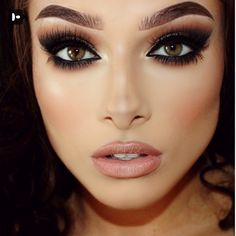 Classy Cat Eye Makeup Ideas That Can Make You Look More Beautiful - Want dramatic eyes? I have easy step by step eye makeup application techniques you're sure to learn from. If you're a beginner at applying makeup or s. Beautiful Eye Makeup, Dramatic Makeup, Love Makeup, Makeup Looks, Neutral Makeup, Beautiful Eyes, Dramatic Eyes, Neutral Lipstick, Amazing Makeup