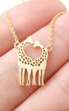 Highlight with two giraffe kissing, this necklace is so lovely and cute. Wear with it, you will be eye-catching. This necklace is also a good gift idea for your Girl or Boy friend, or for your best friends.