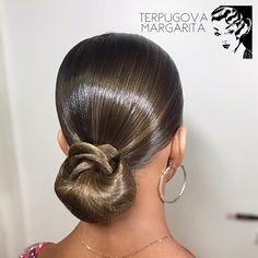 Hairstyle and makeup for @valery_samordina by me ✨ #terpugovamargarita #hairstyle #dance #ballroomdance #прическа #бальныетанцы #танцы #hairstylebymargarita #dancesport #sport #спортивныебальныетанцы #ballroomdancers #hairstylist #wdsf #ballroomhairstyle #латина #стандарт #latina #standard Latin Hairstyles, Sleek Hairstyles, Wedding Hairstyles, Celebrity Hairstyles, Victory Roll Hair, Victory Rolls, Dance Competition Hair, Ballroom Dance Hair, Bleached Hair Repair