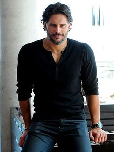 Joe Manganiello Shirtless Photos: Magic Mike, True Blood See the True Blood star and PEOPLE's favorite bachelor in various states of undress. Yes, it's OK to stare! Outfits Casual, Mode Outfits, Joe Manganiello Shirtless, Hispanic Men, Latino Men, Look Man, Rugged Men, Tom Hardy, Man Style