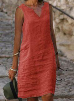 Summer Dress Outfits, Fall Fashion Outfits, Fashion Dresses, Linen Dresses, Casual Dresses, Linen Dress Pattern, V Neck Midi Dress, Fashion Mode, African Dress
