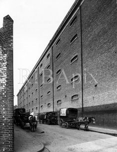 Wapping docks, Garnet street. Old London, East London, London Docklands, Irish Catholic, Ripper Street, Industrial Architecture, London Photos, Best Cities, Ancestry