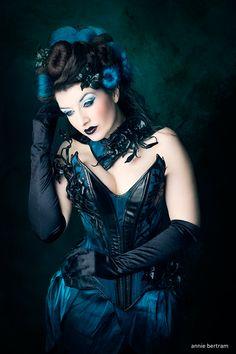 model-la-esmeralda:  Mystic Lilies <3Photo: Annie BertramCouture: Royal BlackModel, hair & make-up: me