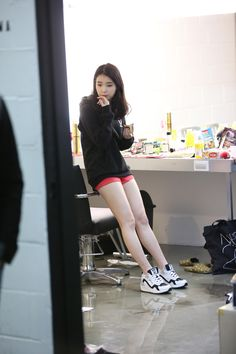"iumushimushi: "" 141224 IU Sbenu Fansign Event BTS on 141219 cr: 스베누촬영 "" Iu Fashion, Retro Fashion, Korean Fashion, Fashion Outfits, Cute Korean, Korean Girl, Girl Day, My Girl, Gangnam Style"