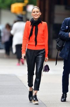 ideas sport icon olivia palermo sport wallpapers in 2019 looks d Olivia Palermo Outfit, Estilo Olivia Palermo, Look Olivia Palermo, Olivia Palermo Lookbook, Olivia Palermo Winter Style, Olivia Palermo Street Style, Mode Outfits, Casual Outfits, Fashion Outfits