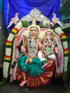Parvathy vinayaka Lord Krishna, Lord Shiva, Navratri Images, Shri Ganesh, Tanjore Painting, Shiva Shakti, Durga Goddess, Hindu Deities, Indian Gods
