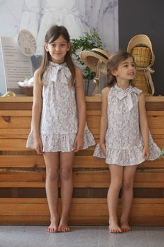 kids fashion : No sin Valentina Little Girl Models, Little Girl Outfits, Little Girl Fashion, Child Models, Dresses For Tweens, Girls Dresses, Nice Dresses, Beautiful Little Girls, Tween Fashion