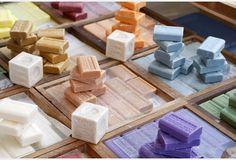 Recettes beauté : 3 savons naturels faits maison Beauty Care, Diy Beauty, Diy Savon, Soap Bubbles, Bath Soap, Tips & Tricks, Hygiene, Handmade Soaps, Soap Making