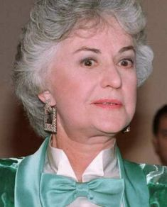Whether it was before they were famous or after, many celebrities have served our country in the military! Bea Arthur, Golden Girls, Comedians, Asian Recipes, Celebrity, Military, Celebs, Goals, Queen