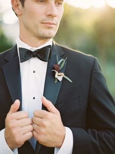 Such a dapper look for a groom! Photography: Julie Paisley