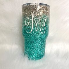 Stainless steel Glitter tumbler- mint glitter tumbler- aqua glitter yeti- ombre glitter tumbler- aqu Diy Tumblers, Custom Tumblers, Glitter Tumblers, Glitter Wine, Glitter Cups, Christmas Tumblers, Cute Cups, Tumbler Designs, Cup Design