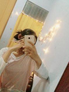 Mirror selfie Tumblr girl