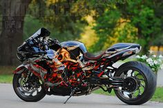 custom kawasaki ninja Custom Street Bikes, Custom Sport Bikes, Custom Motorcycles, Custom Cars, Kawasaki Ninja, Kawasaki Motorcycles, Bicycle Paint Job, Bicycle Painting, Bicycle Drawing