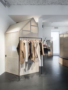 The impressive design of the Isabel Marant store Paris located on Avenue Victor Hugo is work of the renowned architecture practice Ciguë. Retail Store Design, Retail Shop, Commercial Design, Commercial Interiors, Retail Concepts, Vogue Living, Retail Interior, Retail Space, Shops