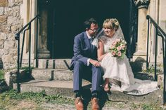 Jenny and Ben's Pretty English Summer Garden Wedding http://www.weheartpictures.com/