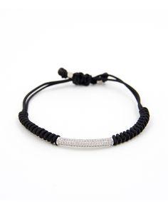 Produktdetails:   Farber: schwarz / silber  Band:Handgeflechtet  Zirkon:ganzes Teil mit Steinen besetzt  Verschluss:  Jedes Armband ist ein Einzelstück! Alle unsere Armbänder werden in sorgfältiger Handarbeit mit Liebe zum Detail hergestellt.