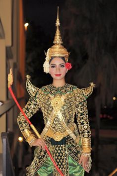 Angkor Wat Cambodia, Khmer Empire, Khmer Wedding, Thai Art, Wedding Costumes, Royal Ballet, Great Pictures, Traditional Dresses, Fasion