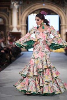 Indian Gowns Dresses, Pakistani Dresses, Indian Outfits, Girls Dresses, Flower Girl Dresses, Dresses For Work, Prom Dresses, Flamenco Costume, Flamenco Skirt
