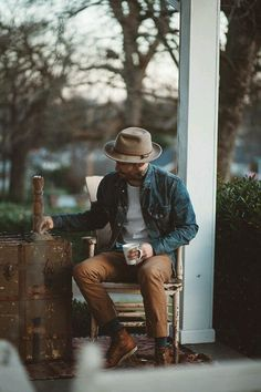 #dandy #hat #chapeau #veste #jeans #jacket #teeshirt #chino #pant #pantalon #boots #shoes #chaussures #workboots #casual #casualstyle #menstyle #fashion #mode #modehomme #style #menfashion #summer #été #homme #men #outfit