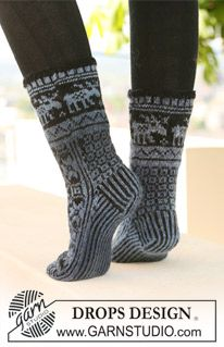 "Gestrickte DROPS Socken in ""Delight"" und ""Fabel"". ~ DROPS Design"