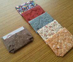 d'incanto: porta cartões de visita, feito em tecido com a técnica do origami!... Box Origami, Origami Envelope, Fabric Origami, Diy Paper, Paper Crafts, Picnic Blanket, Outdoor Blanket, Letter Folding, Crafts To Do