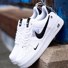 Nike Air Force 107 White Men's/Women's Sneakers 🔥🔥🔥🔥 Price: Available in sizes: Packaging: Branded box Nationwide delivery DM➡➡➡➡➡➡➡➡➡➡ Black Nike Shoes, Black Nikes, Nike Fashion, Sneakers Fashion, Nike Sneakers, Fashion Fashion, Nike Trainers, Fashion Styles, Runway Fashion