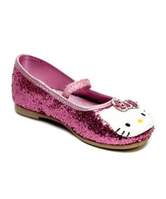 Topped with a familiar face, these flats would make a purrfect addition to any little lady's wardrobe. Their comfy design is ideal for a day full of play, while an elastic strap keeps small feet in place.