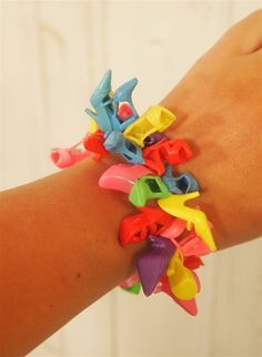 Barbie Shoes Bracelet - something to do with Barbie shoes that lose their match: craft to do at a birthday party?