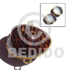 Women's shell coin purse - Cebu wholesale jewelry and fashion accessories bulk philippine export handmade products Shell Necklaces, Handmade Necklaces, Handmade Jewelry, Jewelry Accessories, Fashion Accessories, Fashion Jewelry, Capiz Shell Chandelier, Seashell Jewelry, Handmade Products