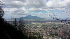"""Panorama dal sentiero di Lettere """" La vena perciata"""" che porta alle grotte benedettine"""