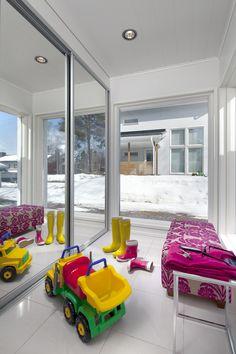 Helsinki, Windows, Outdoor Decor, Home Decor, Decoration Home, Room Decor, Home Interior Design, Ramen, Home Decoration
