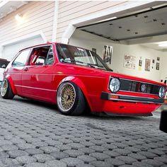 « &: @scrape_somethin #golf #mk1 #static #static #classic #classiccars #carporn #oldscool #oldtimer #vag » Scirocco Volkswagen, Volkswagen Golf Mk1, Vw Mk1, Vw Classic, Classic Golf, T2 T3, Golf 2, Retro Cars, Truck