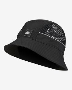 Nike CA Nike Boots, White Nike Shoes, Nike Run, Kinds Of Clothes, Cute Hats, Mens Caps, Urban Outfits, Hat Sizes, Nike Sportswear