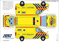 Photo by tiscrea Paper Model Car, Paper Car, Diy Craft Projects, Fun Crafts, Crafts For Kids, Cardboard Toys, Paper Toys, Ambulance, Free Paper Models